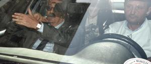 La Boschi interrogata per 2 ore. E Renzi attacca i magistrati: «Mai a sentenza»