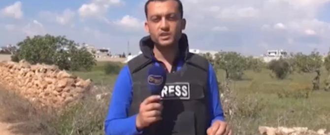 Giornalista parla in tv, una scheggia lo colpisce in diretta (Video)