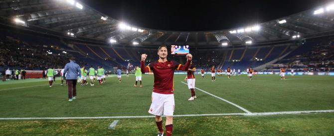 """""""Totti ha segnato alla faccia vostra"""". Il telecronista piange di gioia (VIDEO)"""