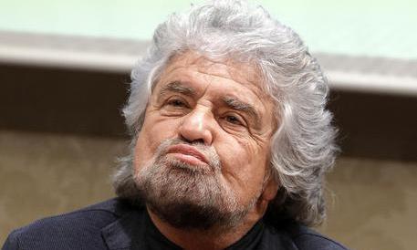 Scandalo-petrolio, Il Pd querela Grillo. Renzi: ti aspettiamo in tribunale