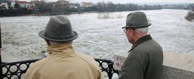Cala l'aspettativa di vita degli italiani: è la prima volta nella storia