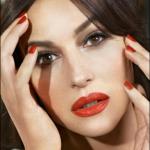 L'attrice italiana, che vive da molti anni in Francia, sarà nel cast del remake della famosa serie tv americana. (Foto Instagram)