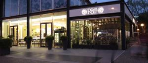 """Rimini: sigilli al """"Caffè delle Rose"""", il bar simbolo della Dolce Vita di Fellini"""