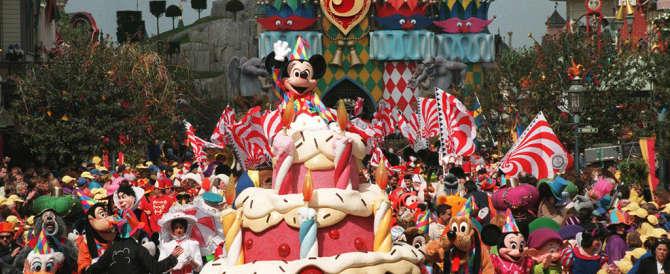 Disneyland Parigi costretta alla marcia indietro: basta sconti solo per i francesi
