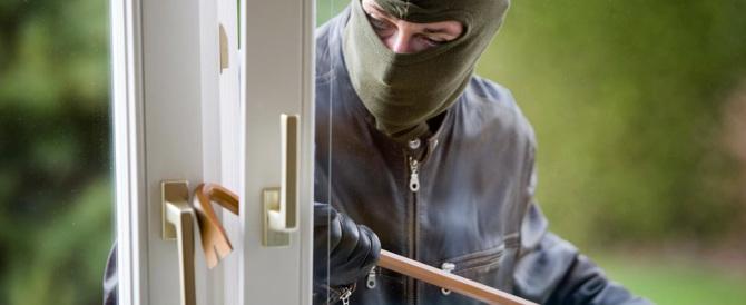Sicurezza, l'Istat smaschera il bluff di Alfano: meno omicidi ma più furti