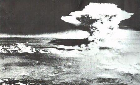 """Kerry in visita a Hiroshima: """"Ma gli Usa non chiederanno mai scusa"""""""