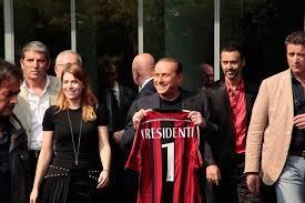 Il Milan ai cinesi. Berlusconi vende il club rossonero per 700 milioni