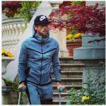 Ecco l'arrivc alla clinica del calciatore della Juventus. (Foto Instagram)