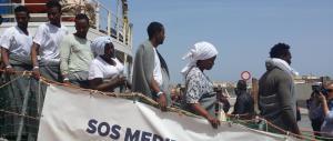 """Sentenza beffa per gli italiani: il """"bonus bebè"""" va dato anche ai migranti"""