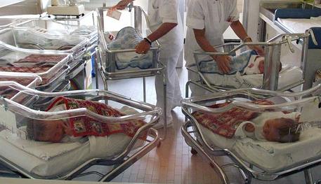Errori in ospedale, indagini sulla morte di due neonati: 4 medici arrestati
