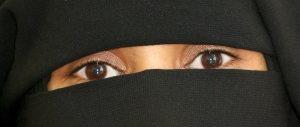"""""""Allah portami con te"""": bresciana sotto sorveglianza. Voleva andare in Siria"""
