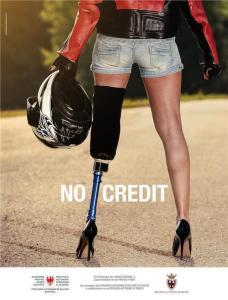 Il manifesto che nel 2016 caratterizzerà la campagna di sensibilizzazione sulla sicurezza in moto No Credit