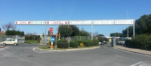 Ancora i rom: distruggono vetrata e ingresso del pronto soccorso a Roma