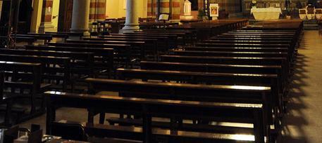 Calci e pugni a un prete per derubare la chiesa: catturato il ladro albanese