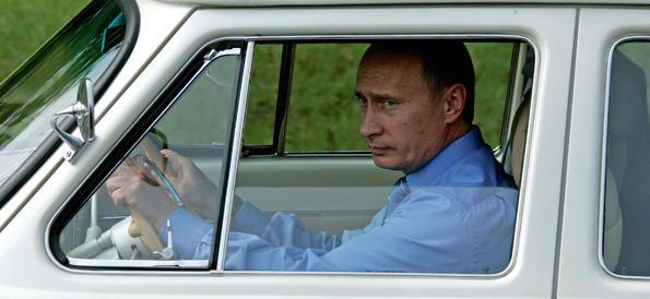 La lezione di Putin: vive in 150 mq e guadagna circa centomila euro l'anno