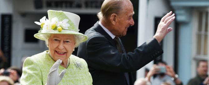 Regina Elisabetta, bagno di folla per il suo novantesimo compleanno