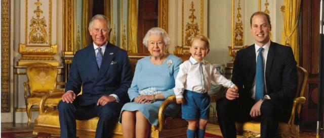 La regina Elisabetta e i reali inglesi in grande spolvero su Facebook (foto)