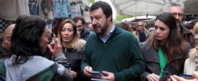 """Salvini attacca Berlusconi: """"Così favorisce Renzi, ha perso la bussola"""""""