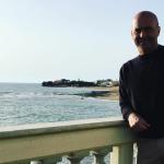 """Il protagonista della fiction sulla terrazza """"contestata"""". (Foto Instagram)"""