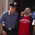 Preso Nappo, latitante camorrista, gli amici ostacolano l'auto dei carabinieri (video)