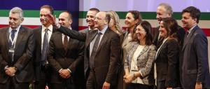 Confindustria non vede la ripresa ma si inginocchia a Renzi sul referendum