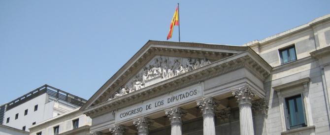 Spagna, sciolte le Camere. Si voterà il 26 giugno. All'ombra della Brexit…