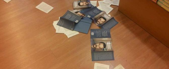 Strapparono i libri di Salvini: sette attivisti dei centri sociali a processo