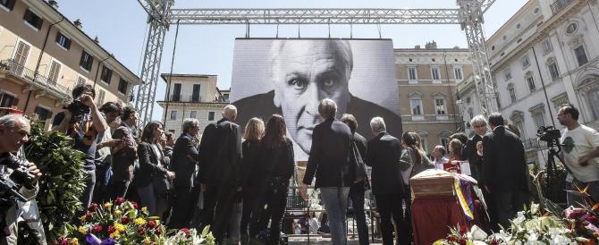 Pannella, funerali con polemica: «Alcuni omaggi puzzano di ipocrisia»