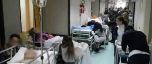 Napoli, l'Ordine dei medici organizza corsi per affrontare le risse in ospedale