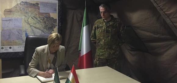 Pinotti in bilico? Sarebbe il quinto ministro del governo Renzi a saltare