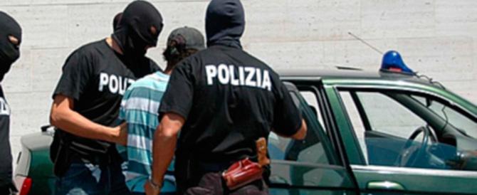 Tentano di uccidere un uomo con le spranghe di ferro: in manette tre rom