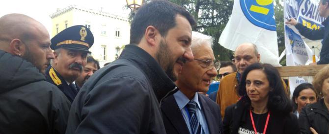 Salvini a testa bassa: «Dopo i campi rom, abbatteremo i centri sociali»