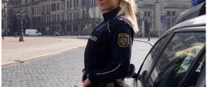 Adrienne, la poliziotta mozzafiato che spopola su Instagram (Foto)