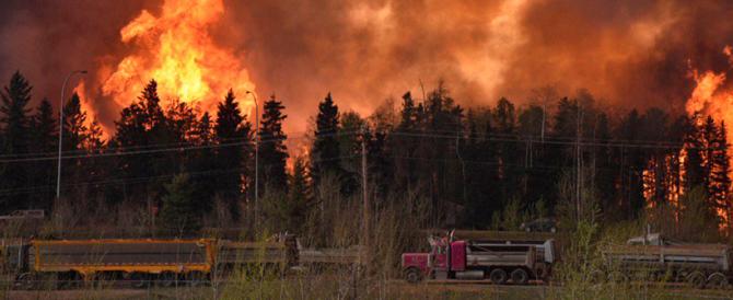 Il Canada brucia: l'incendio potrebbe anche raddoppiare nelle prossime ore