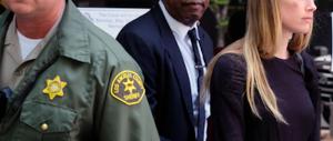 """La moglie all'attacco: """"Johnny Depp mi ha ridotto così!"""" (Foto)"""
