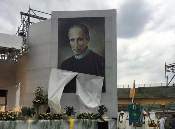 Fedeli allo stadio di Cosenza per un nuovo beato: è Francesco Maria Greco