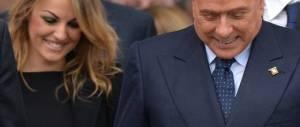Berlusconi scherza con i militanti: non posso andare a donne, sono fidanzato