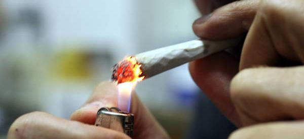 Dalle canne all'eroina: dagli Usa dati allarmanti per chi fuma marjiuana