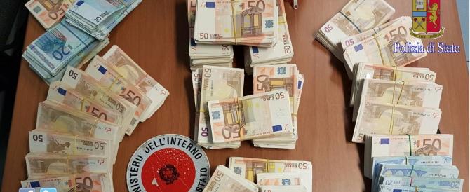 Lascia 300mila euro sotto il materasso: derubato. Il ladro è l'amico della figlia