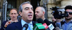 Verdini imbarazza il Pd. Gasparri: «Vorrebbero nasconderlo tra le scope»