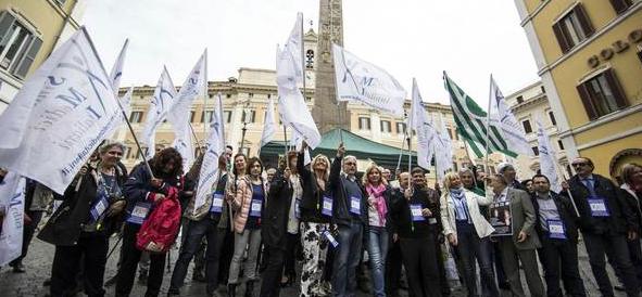 A Montecitorio tutti contro Renzi: «La guardia medica non va abolita»