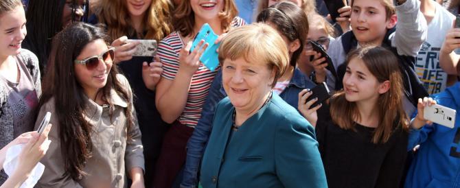 La tentazione della Merkel: «Fare una politica più di destra». Poi ci ripensa