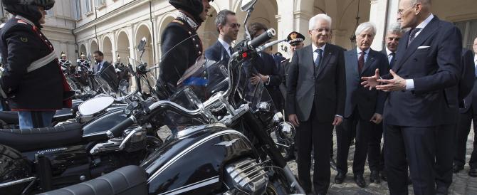 Le nuove moto Guzzi presentate nel cortile d'onore del Quirinale (video)