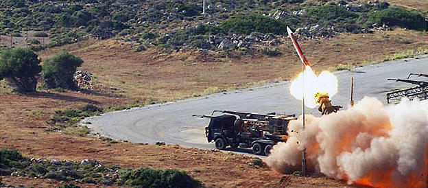 «La Russia provoca, siamo a un passo dalla guerra»: le basi Nato in allarme