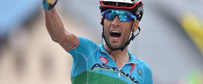Nuova impresa di Nibali: va in maglia rosa e ipoteca la vittoria del Giro d'Italia