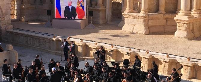 Palmira, l'Orchestra di S. Pietroburgo suona nella città liberata dall'Isis (Video)