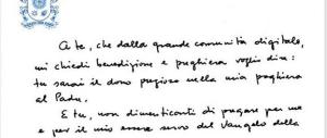 Così scrive Papa Francesco: ecco il biglietto autografo per i follower (Foto)