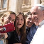 Monsignor Viganò ha spiegato il senso di quel documento autografo del Papa. (Foto Instagram)