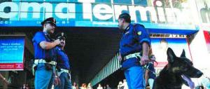Rissa a colpi di bastoni tra trans a Termini. Arrestati tre colombiani