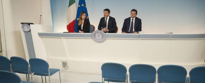 «Si vota in un giorno», «No, in 2»: per Renzi una scelta dettata dal panico